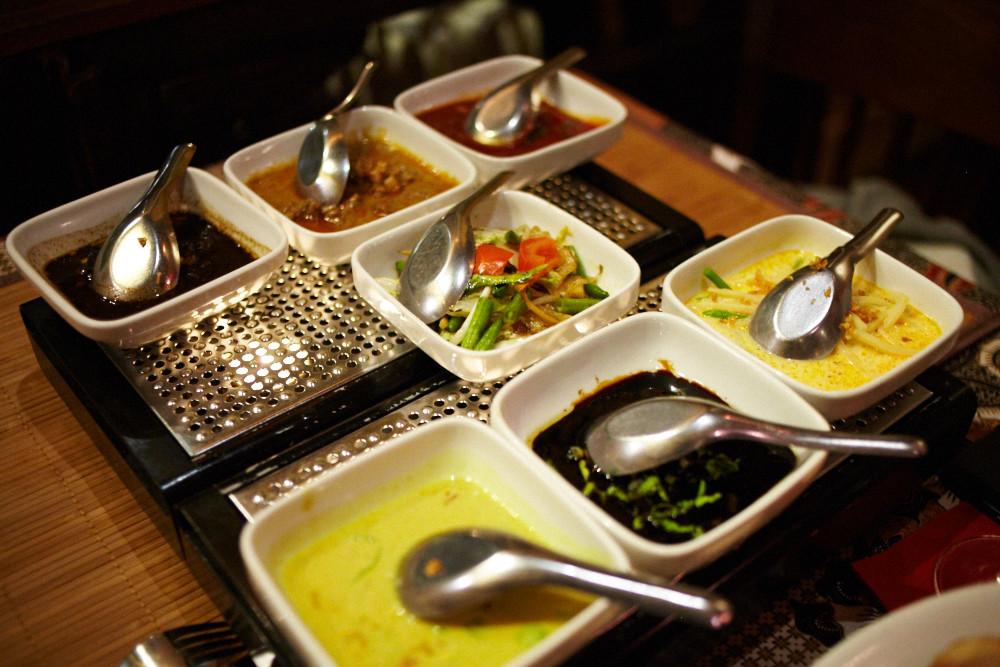 18 indonesische k che berlin bilder abendbrot mit sarah 8 indonesisch essen im tuk tuk mabuhay. Black Bedroom Furniture Sets. Home Design Ideas