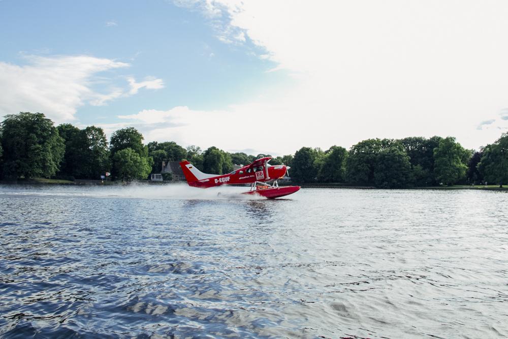 Paula Faraco – Wasserflugzeug