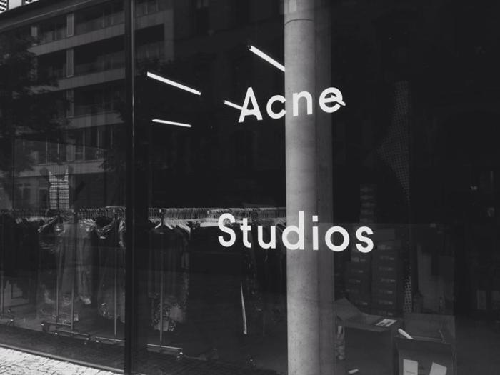 Acne-studios-pop-up-store_berlin-mitte_weinmeisterstrasse-2_stylemag-instagram-950x712