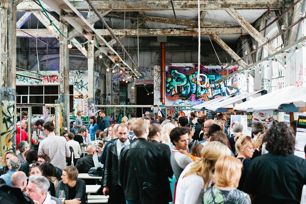 Sonntag berlin village market neue heimat mit for Bar food night neue heimat