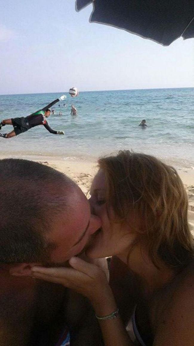 ce-coupe-demande-aux-internautes-de-retirer-le-garcon-sur-leur-photo-romantique-ils-nauraient-jamais-du-16