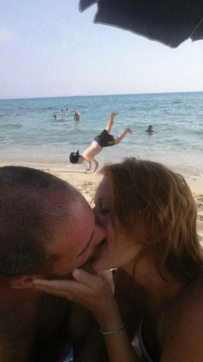 ce-coupe-demande-aux-internautes-de-retirer-le-garcon-sur-leur-photo-romantique-ils-nauraient-jamais-du-5