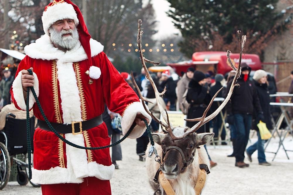 Weihnachtsmarkt_Späthsche-Baumschulen_Weihnachtsmann_Foto_Daniela-Incoronato_Ausschnitt