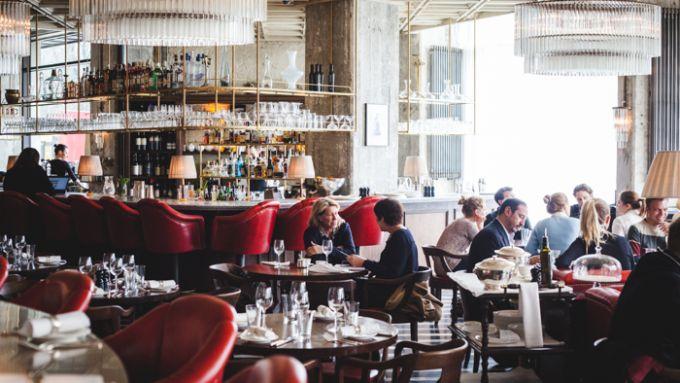 11 Bars Und Restaurants Rund Um Den Alexanderplatz Die Echt Okay Sind Mit Vergnugen Berlin