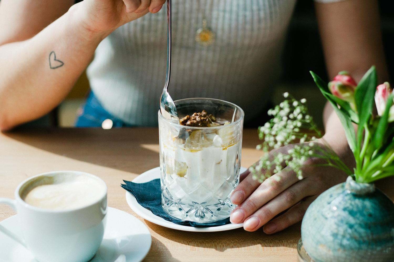 Gemutlich Kaffee Trinken In Berlin : Kaffee trinken – Mirika in Kreuzberg  Mit Vergnügen Berlin