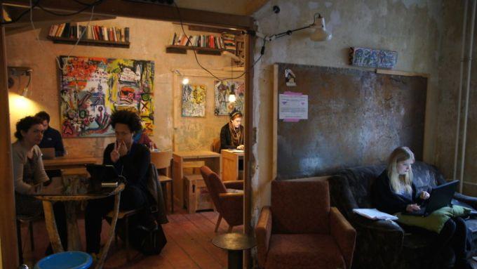 11 Cafés, Restaurants und Bars im Körnerkiez, die ihr kennen solltet