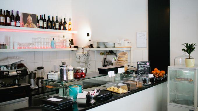 11 restaurants die ihr auf der torstra e ausprobieren m sst mit vergn gen berlin. Black Bedroom Furniture Sets. Home Design Ideas