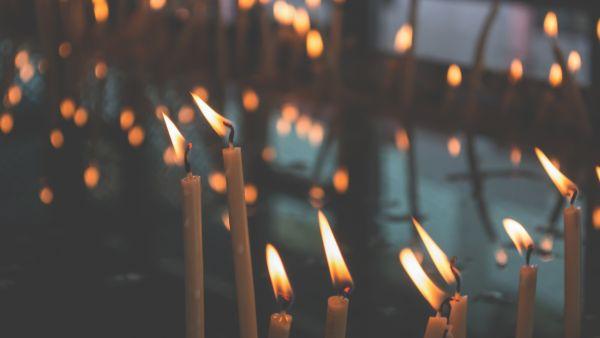 Kerzen Ziehen Berlin.Kerzen Selbst Ziehen In Der Kerzenmanufaktur Lichterglanz