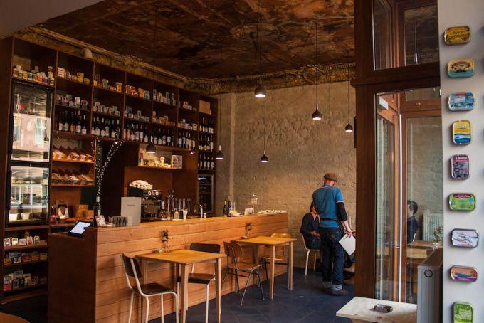 fisch mal anders in der sardinen bar in sch neberg mit vergn gen berlin. Black Bedroom Furniture Sets. Home Design Ideas