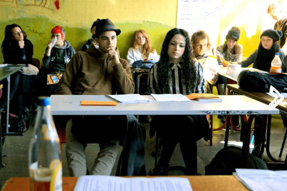 abitur f r rebellen dieser film zeigt eine besondere schule in kreuzberg mit vergn gen berlin. Black Bedroom Furniture Sets. Home Design Ideas