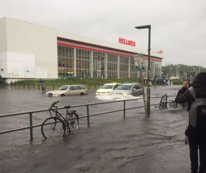 Berlin Im Ausnahmezustand Videos Und Fotos Vom Unwetter Mit