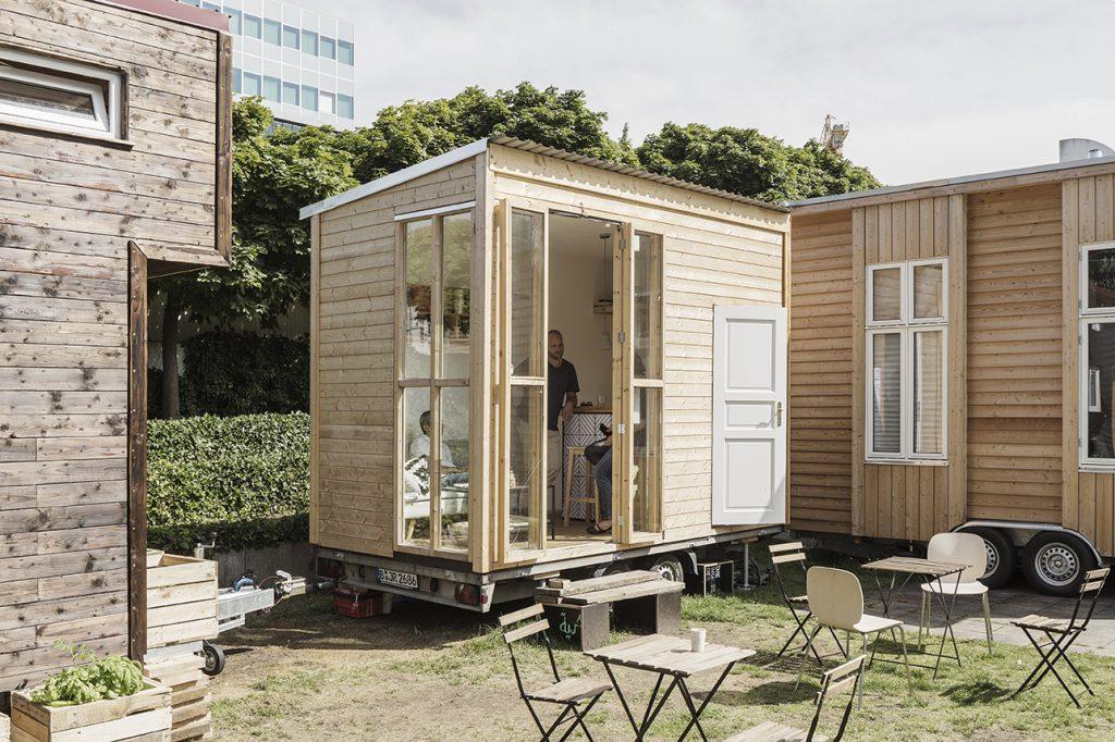 wohnen auf kleinstem raum an der urania entsteht ein dorf aus tiny houses mit vergn gen berlin. Black Bedroom Furniture Sets. Home Design Ideas