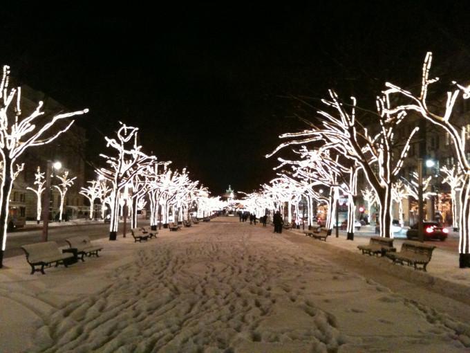 Unter Den Linden Weihnachtsbeleuchtung.Unter Den Linden Leuchtet Doch Bürger Ersparen Dem Senat Eine