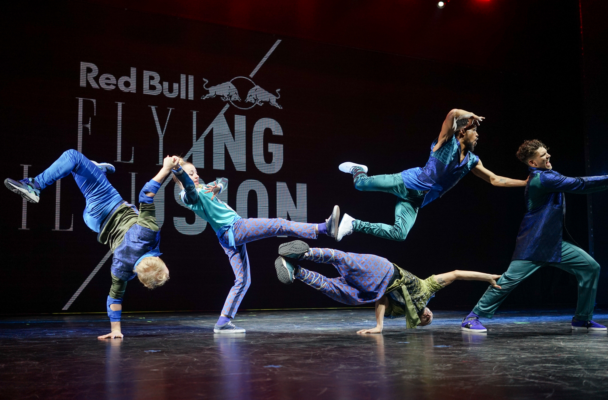 die breakdance crew flying steps kommt mit einer abgefahrenen show zur ck nach berlin mit. Black Bedroom Furniture Sets. Home Design Ideas