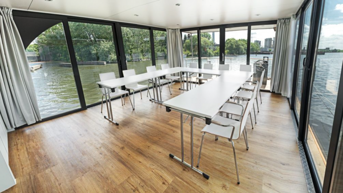 11 coole meetingr ume in berlin mit vergn gen berlin. Black Bedroom Furniture Sets. Home Design Ideas