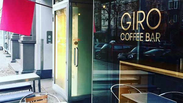 Kaffee Trinken In Der Giro Coffee Bar Mit Vergnügen Berlin