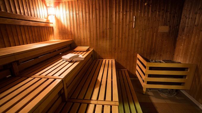 11 saunen und hamams in denen ihr entspannt schwitzen k nnt mit vergn gen berlin. Black Bedroom Furniture Sets. Home Design Ideas