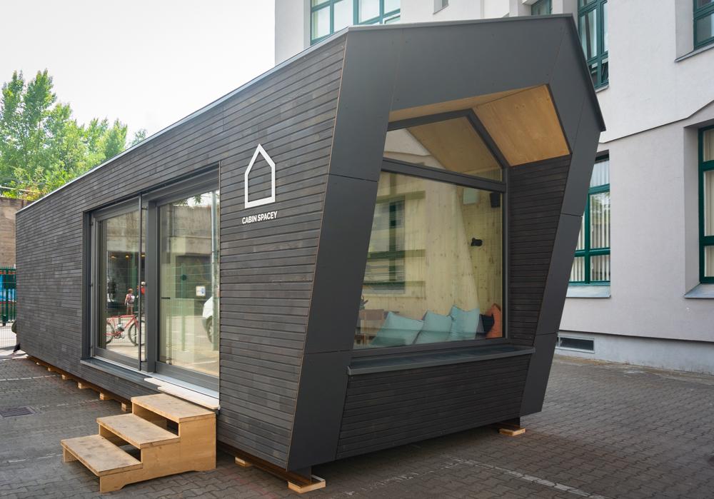 wohnen auf kleinstem raum mit den h tten von cabin spacey mit vergn gen berlin. Black Bedroom Furniture Sets. Home Design Ideas