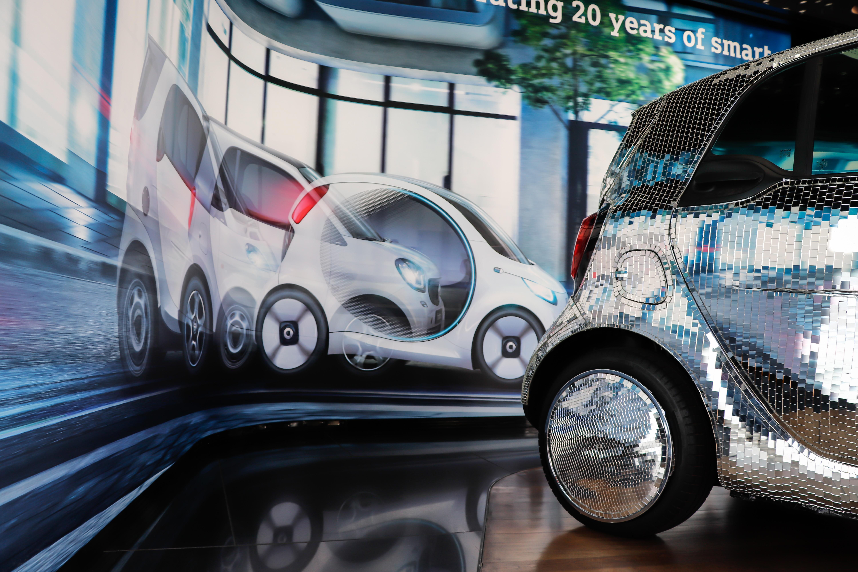 extrem leise und unglaublich flexibel smart zeigt seit 20 jahren wie sich das autofahren der. Black Bedroom Furniture Sets. Home Design Ideas