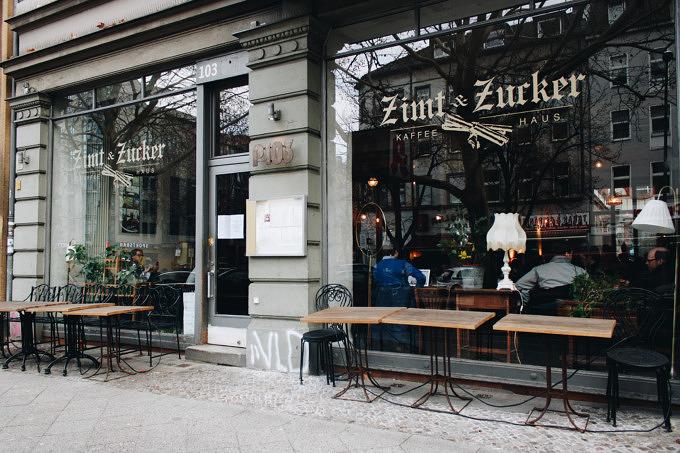 Kaffeehauskultur trifft auf Szenestraße: Frühstücken im Zimt & Zucker in Schöneberg