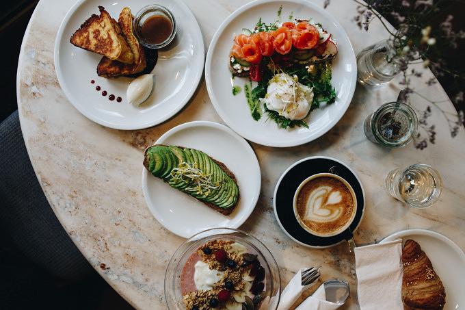 Den Ganzen Tag Frühstücken In Der Kaffeebar In Prenzlauer Berg