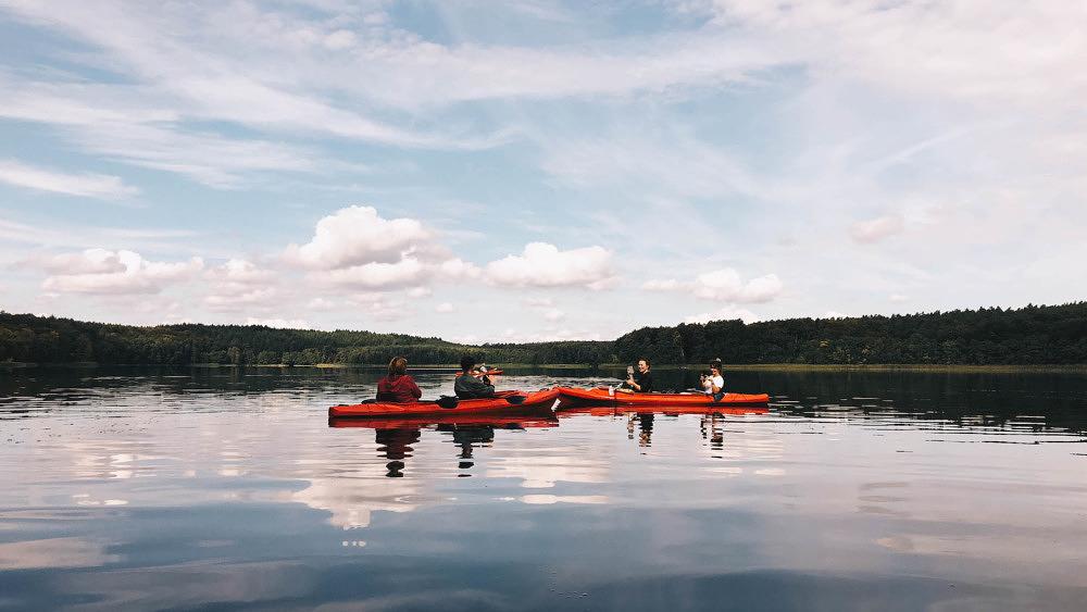 Kajak fahren auf dem Tornowsee in Brandenburg