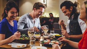 Qunadoo, Essen mit Freunden