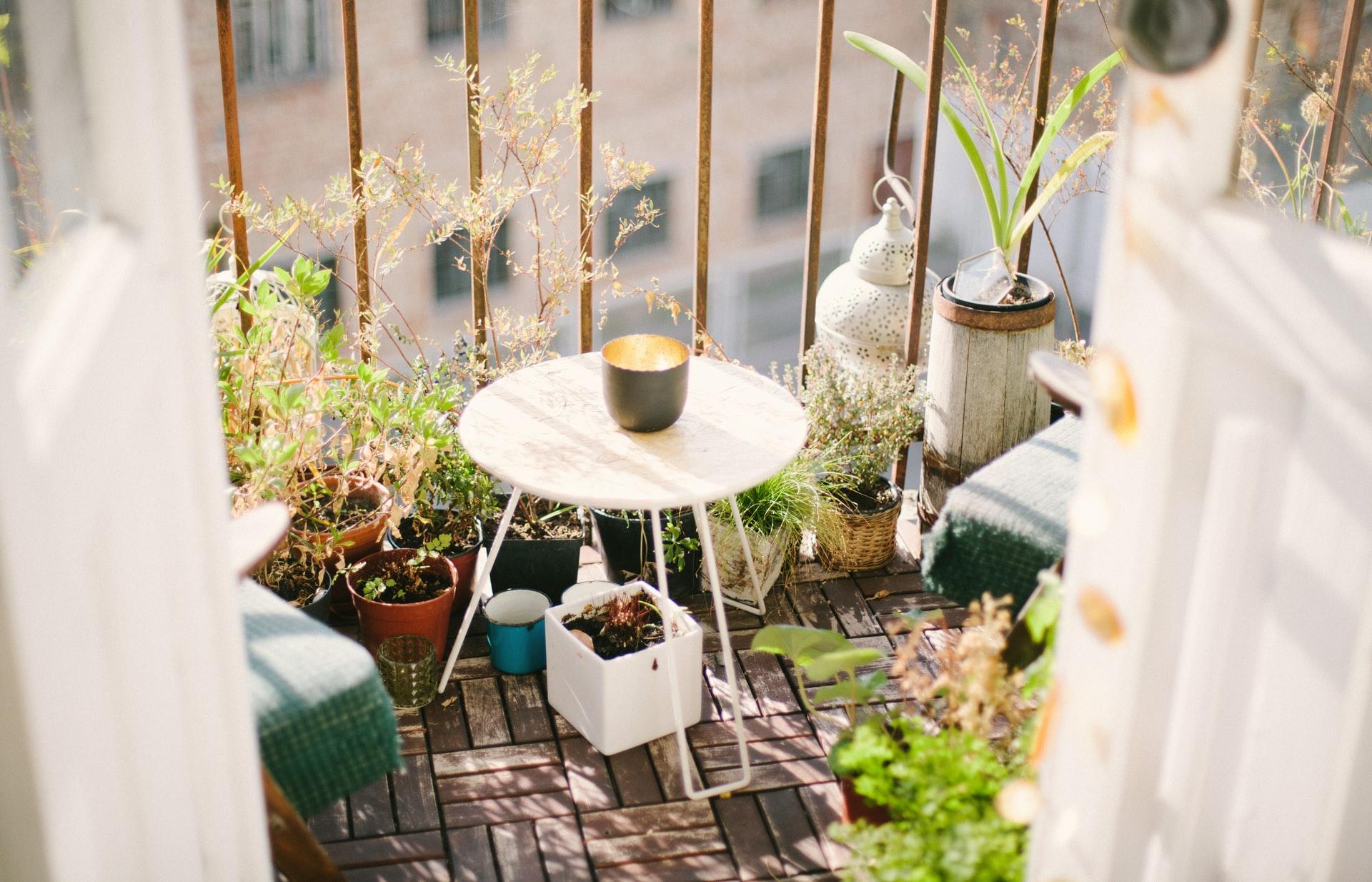 8 kreative Ideen, wie du deinen Balkon fit für den Frühling ...