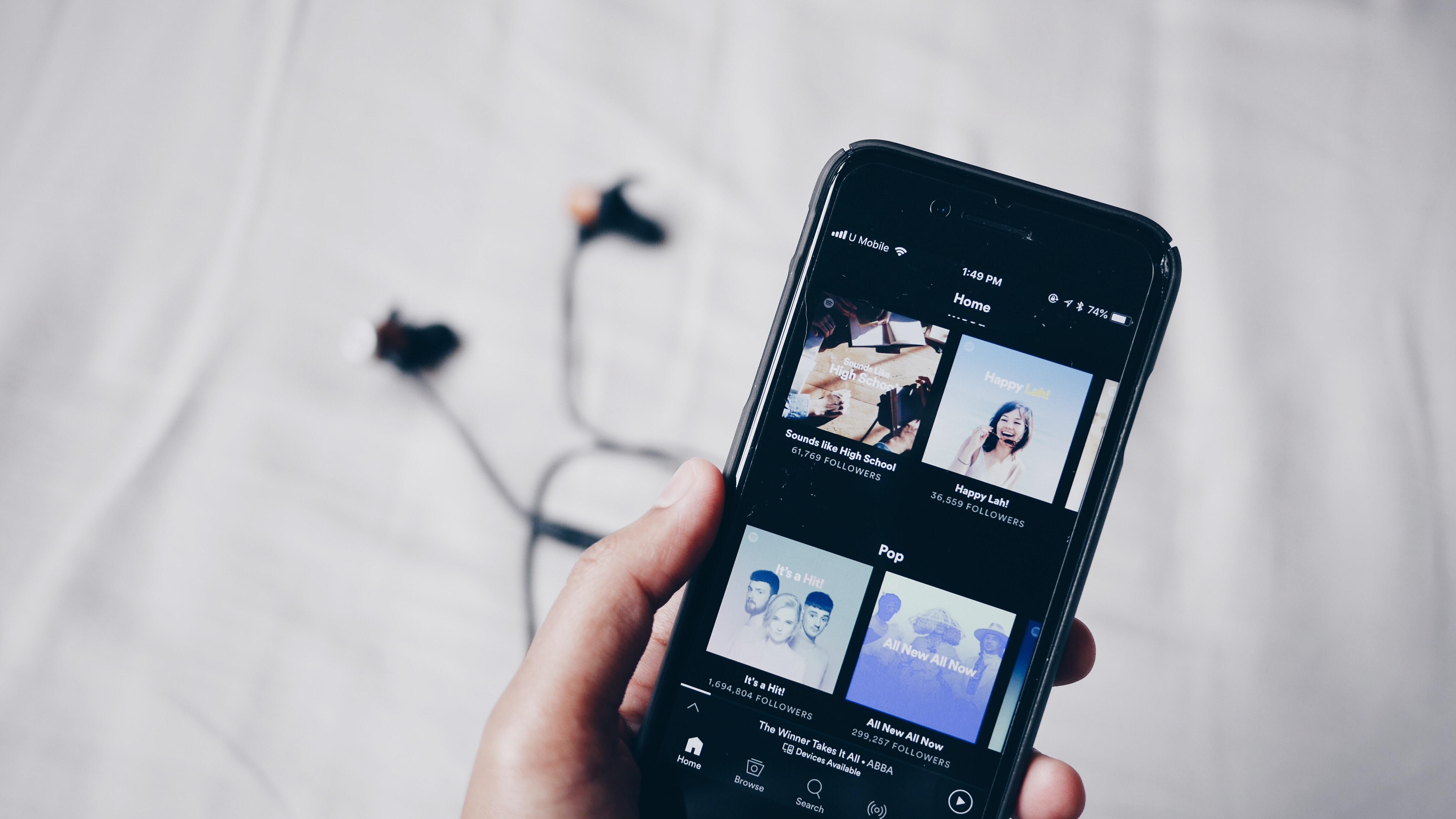 Mit diesen 11 Playlists wird's zu Hause garantiert nicht langweilig