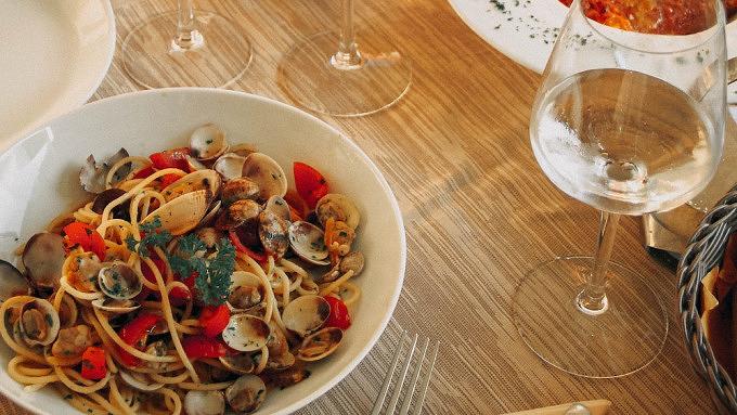 Spaghetti Vongole und Weißwein