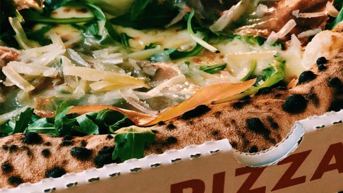 Gambino's Pizza und Highballs, neapolitanische Pizza, Friedrichshain, Sonntagstraße