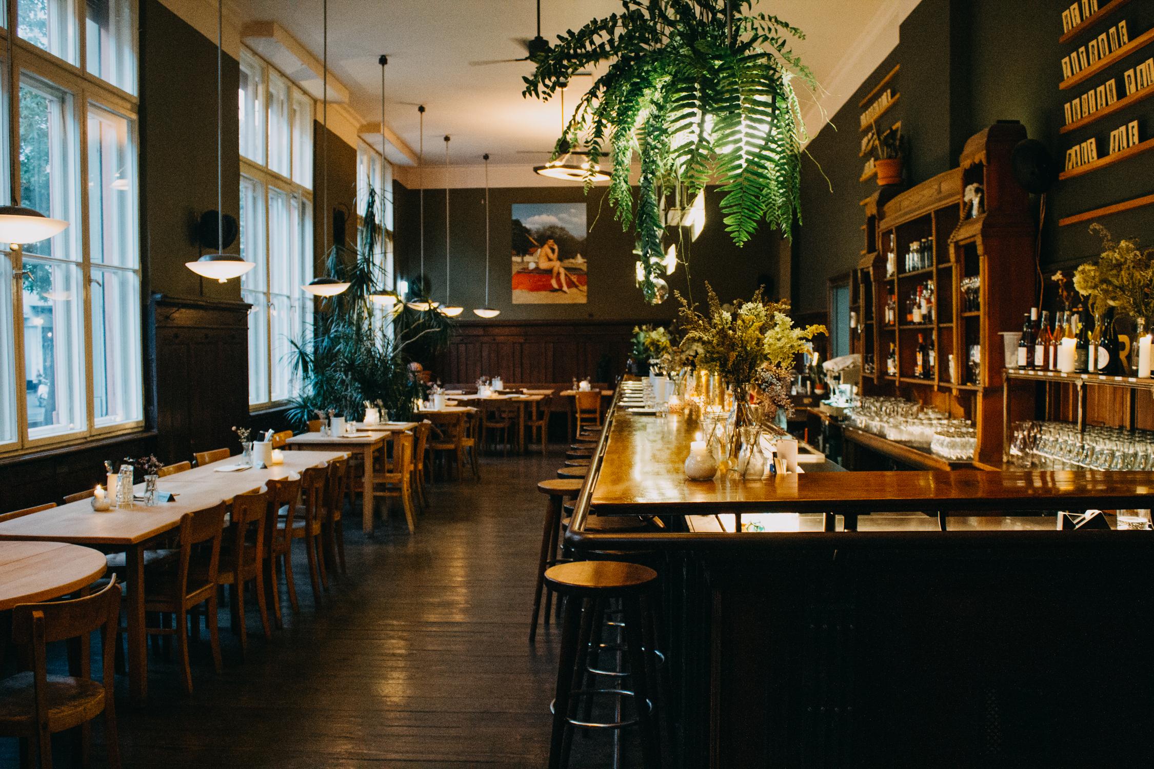 Saisonal, regional, Marktlokal: Bodenständige Küche und leckere Drinks im Restaurant der Markthalle Neun